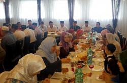 Татарская община отметила Ураза-байрам.