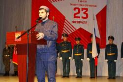 Мусульмане Хабаровска поздравили жителей города с Днём защитника Отечества.