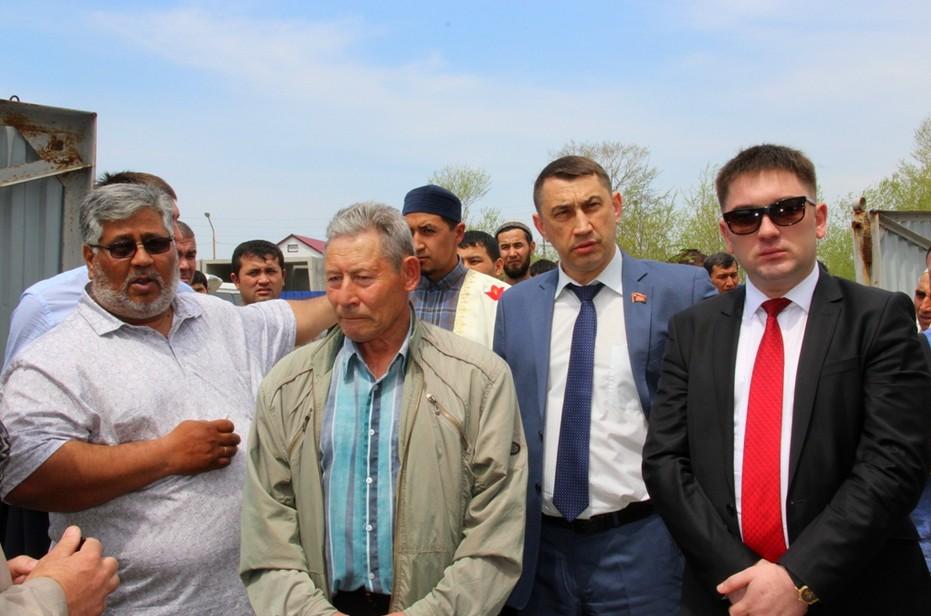 Власти Сахалина выделят мусульманам дополнительные земли, чтобы не усугубить конфликт.