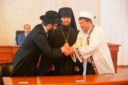 В Еврейской автономной области лидеры конфессий подписали соглашение о сотрудничестве.