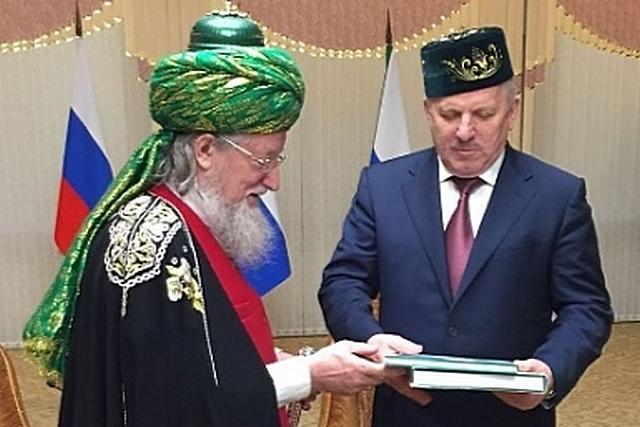 Как чиновники выдали друга Бен Ладена за лидера всех мусульман России.